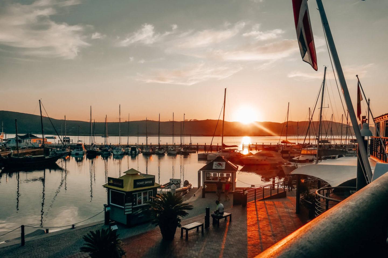 Best Restaurants in Knysna: Sunset at Knysna Waterfront