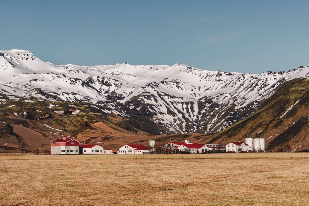 3 Days in Iceland, snow capped mountains on the Golden Circle